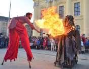 Maskarádé a Vojtina Bábszínházban: Cibere és Konc király versengése