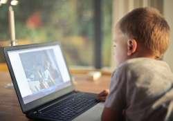 Ne hagyd, hogy rossz vége legyen a gyereked internetes barangolásának!