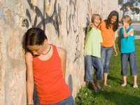 Amitől minden szülő retteg! (Videó) Hogyan állítsuk meg az iskolai szekálást?