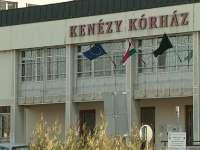 Tombol az influenza, látogatási tilalmak a Kenézyben, Klinikán