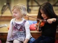 Zenés tízóraira várják a debreceni gyerekeket